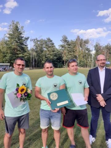 v.l.: Jörg Schmiedchen, Steffen Dubrau, Rene Weberchen (alle Adler Klinge) und David Chollee (FK)